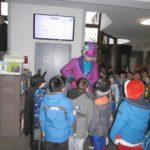 Bürgermeister Helfmann begrüßt die Schülerinnen und Schüler